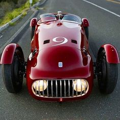 """megadeluxe: """"The Look at the Rare & Racy … Nardi-Danese 2500 Alfa Romeo Circa One of only three ever made by Enrico Nardi a test driver and engineer at Lancia and for Scuderia Ferrari. Maserati, Bugatti, Bmw Classic Cars, Pt Cruiser, Alfa Romeo Cars, Vintage Race Car, Car Wheels, Steering Wheels, Amazing Cars"""