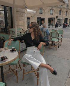 Parisian Style Fashion, Look Fashion, Girl Fashion, Autumn Fashion, Classic Fashion Style, European Fashion, Paris Style, Parisian Street Style, Spain Fashion