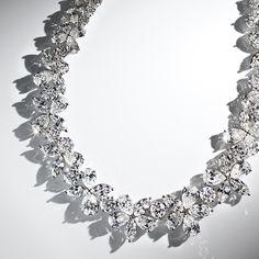 The Tiffany Victoria® collection celebrates the blazing brilliance of Tiffany diamonds. Necklace in platinum with diamonds.