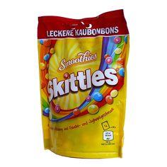 Что такое Smoothie Skittles? Это - жевательные конфеты в хрустящей сахарной оболочке со вкусом фруктов и йогурта. Идеальная... Bad Room Ideas, Yogurt Smoothies, Snack Recipes, Snacks, Chips, Eat, Food, Snack Mix Recipes, Appetizer Recipes