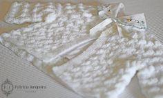 Casaquinhos de lã feitos a mão, para bebês a venda no http://www.patriciajunqueira.com.br/#!loja/c10fz