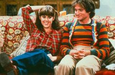 Mork & Mindy Online is devoted to the tv show, Mork and Mindy. Robin Williams and Pam Dawber starred in Mork and Mindy. Robin Williams Frases, Robin Williams Movies, Heaven Is Real, Star Trek Show, Mork & Mindy, Old Shows, Hollywood, Classic Tv, The Good Old Days