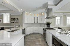 Modern Kitchen with Carrara White Marble Countertop, Naples Cabinet Door