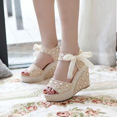 Cinto cunhas venda quentes do verão sandálias sapatos femininos mulheres sapatos de plataforma rendas arco toe plana e aberta sapatos de sal...