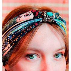 Algunas fotos de esta temporada que nos encantan! Turbantes y pañuelos muy coloridos ❤️ ULTiMíSIMOS días de PROMO en toda la Serie Marruecos, pañuelos clásicos, grandes, las últimas prendas de vestir, turbantes y accesorios para el pelo hasta 50% off. Además 3 cuotas sin interés y envíos gratis a partir de $2500 💕 . . . . . Ella: @carolahintze  #sofialapenta #scarf #estampasparalupa #animallover #catlover #fashion #fashiondesign #drawing #designed #ilustracion #starwars #surrealism #arte… Starwars, Scarf, Cat Lover, Crown, Band, Accessories, Drawing, Jewelry, Fashion