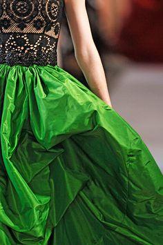 Oscar de la Renta Spring 2012 RTW - Details - Fashion Week - Runway, Fashion Shows and Collections - Vogue