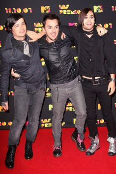 Tomo Milicevic, Shannon Leto and Jared Leto of 30 Seconds To Mars arrive at Los Premios MTV Latin America Awards on Oct. 18, 2007, in Mexico City.