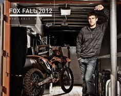 Ryan Dungey now this is just a perk of loving motocross (; Motocross Love, Motocross Bikes, Ryan Dungey, Monster Energy Supercross, Pretty Guys, Male Senior Pictures, Marc Marquez, Bike Rider, Dirtbikes