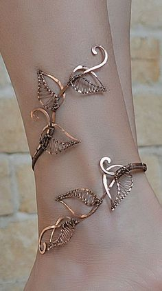 wrapped ankle – anklet – anklet bangle – body jewelry – foliage – gift for her – ankle jewelry – leaf jewelry – leaf bracelet - new season bijouterie Ankle Jewelry, Leaf Jewelry, Ankle Bracelets, Copper Jewelry, Cute Jewelry, Body Jewelry, Beaded Jewelry, Jewelry Accessories, Jewelry Design