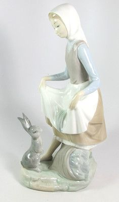 Lladro Young Lady with Rabbit #4826 Porcelain Figurine - NO RESERVE
