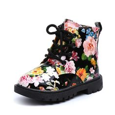 Comfy Kids Girls Boots Floral Martin Botas Size Kids Rubber Sole Graceful  Flower Print PU Leather Bottes Welcome Wholesale 668f2842e7b1