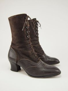 1980s LAURA ASHLEY Vintage Suede Leather Wingtip Fashion Lace Boots