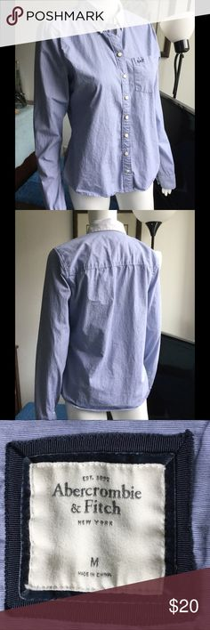 💘HP💘Pinstriped Button Down Top Great pinstriped Abercrombie & Fitch button down top. 100% cotton. Abercrombie & Fitch Tops Button Down Shirts
