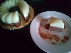 Δίχρωμο Σιμιγδαλάτο! Δοκιμάστε και θαυμάστε! Γίνεται σε χρόνο dt και είναι κάτσε καλά! Muffin, Pudding, Breakfast, Sweet, Desserts, Food, Morning Coffee, Candy, Tailgate Desserts