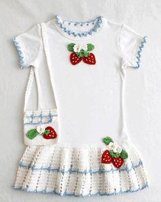 Strawberry T-Shirt Dress and Purse Crochet Pattern ༺✿Teresa Restegui http://www.pinterest.com/teretegui/✿༻