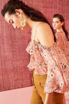 Ulla Johnson Resort 2019 Fashion Show Collection: See the complete Ulla Johnson Resort 2019 collection. Look 29