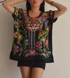 Blusa Mexicana Bordada A Mano Tradicional Oaxaca Fresca a MXN 490. Sin  Manga Ropa 8f07c2d87f960