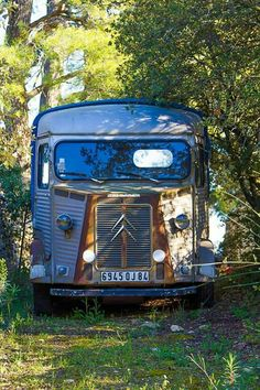 nous avons retrouv le camion de louis la brocante citroen hy oldtimer cars citro n. Black Bedroom Furniture Sets. Home Design Ideas