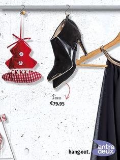 Zwarte leren enkellaarsjes metalen neusjes. Zara € 79,95
