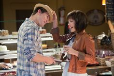 Rachel McAdams & Channing Tatum star in the drama THE VOW – a beloved wife sustains severe memory loss from a terrible accident and her husband must win her love again.