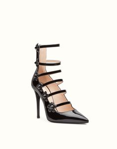 FENDI PUMP - in black patent leather with flowers