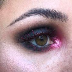 "804 Likes, 9 Comments - Gabrielle Alvarez (@midnight_weirdo) on Instagram: ""🌋 Lava 🌋 PRODUCTS USED: @anastasiabeverlyhills Warm Taupe @katvondbeauty Stone and {Pink} Opal…"""