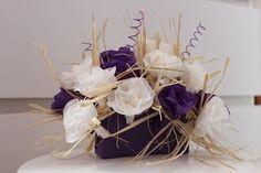 Decoration de tables de mariage, fleurs en papier de soie de ma propre création - Centre de table ivoire/violet