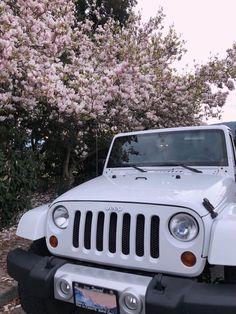 Pretty Cars, Cute Cars, My Dream Car, Dream Cars, Jeep Wallpaper, White Jeep, Car Girls, Future Car, Jeep Life