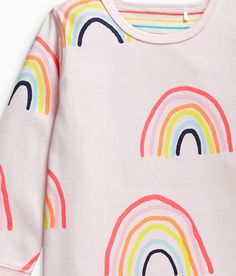 Nice idea for a sheet Kids Brand, Rainbow Print, Culottes, Pretty Patterns, Kids Prints, Surface Pattern Design, Kids Wear, Trends, Pattern Fashion