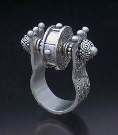 Hattie Sanderson - Gallery... amazing ring