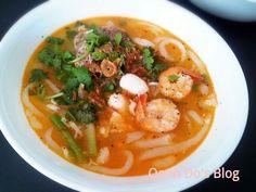 Crab, shrimp and quail egg soup