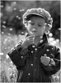 #Enfant - #Plaisirs_simples | #Child - #Simple_pleasures (Hatifnatt, photographer) | #Photographie_noir_et_blanc #photography_black_et_white