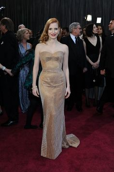 2013 Academy Awards Red Carpet: Jessica Chastain in Armani