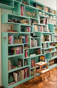 Gorgeous bookshelves!