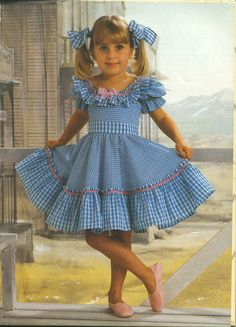 Mom Dress, Baby Dress, Tutu Frocks, Little Girl Dresses, Girls Dresses, Frock Patterns, Sewing Kids Clothes, Frocks For Girls, Cute Outfits For Kids