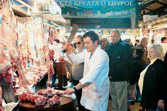 Καλοστημένο ψέμα οι πλούσιες κυρίες που μοιράζουν κρέας στην Βαρβάκειο
