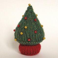 Little Christmas Tree - via @Craftsy