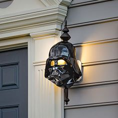 These Star Wars Porch Light Covers make even the Dark Side of any given porch li. These Star Wars Decoration Star Wars, Star Wars Decor, Star Wars Halloween, Casa Disney, Disney Home, Porch Light Covers, Star Wars Zimmer, Star Wars Room, Geek Decor