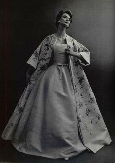 Evening wear by Christian Dior, 1956. Love the kimono.