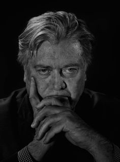 Nonverbal Communication Analysis No. 3780: Donald Trump's Chief Strategist Steve Bannon Time Magazine Pic - Body Language and Emotional Intelligence (PHOTO)  http://www.bodylanguagesuccess.com/2016/12/nonverbal-communication-analysis-no_8.html