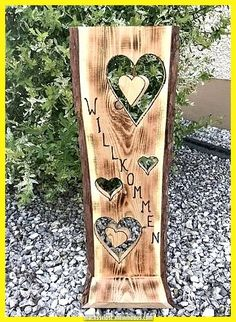 Außergewöhnlich Holzschild Willkommen Exceptional wooden sign welcome, of the ordinary Crafts Diy Pallet Wall, Pallet Crafts, Wooden Crafts, Diy Wood Projects, Patio Plus, Serpentina, Wood Ornaments, Wood Bars, Made Of Wood