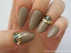 moro, army, halfmoon, gold, studs, nails, nail art, manicure http://mycherrynails.blogspot.com/2014/03/moro-half-moon.html