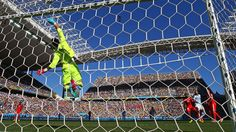 SAO PAULO, BRAZIL - JULY 01: Diego Benaglio of Switzerland saves a header by Gonzalo Higuain of Argentina during the 2014 FIFA World Cup Brazil Round of 16 match between Argentina and Switzerland at Arena de Sao Paulo on July 1, 2014 in Sao Paulo, Brazil. (Photo by Ronald Martinez/Getty Images)  2014 FIFA World Cup Brazil™: Argentina-Switzerland - Photos - FIFA.com