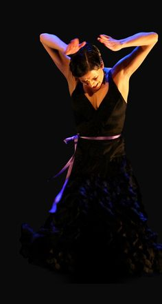 Leonor Leal--wonderful combination of contemporary dance and traditional flamenco!