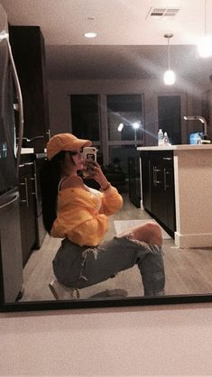 grafika yellow and maggie lindemann Maggie Lindemann, Instagram Pose, Instagram Story Ideas, Selfie Poses, Selfies, Insta Photo Ideas, Poses For Pictures, Aesthetic Girl, Tumblr Girls