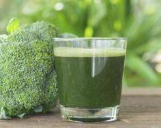 Boisson amincissante au brocoli et au piment pour maigrir : http://www.fourchette-et-bikini.fr/recettes/recettes-minceur/boisson-amincissante-au-brocoli-et-au-piment-pour-maigrir.html