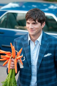 Ashton Kutcher, persistent for all the wrong reasons in No Strings Attached