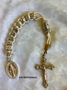 Rosaries, Chaplets, Brooches, Rosary bracelets and more, brought to you by PVK Devotionals. Rosary Bead Tattoo, Rosary Bracelet, Rosary Beads, Beaded Bracelets, Prayer Beads, Catholic Crafts, Catholic Jewelry, Rosary Catholic, Faith Crafts