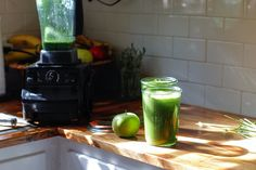 Stripped Green Smoothie   how to make a green smoothie