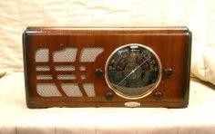 Old Antique Wood Mantola Vintage Tube Radio - Restored Working Art Deco Classic